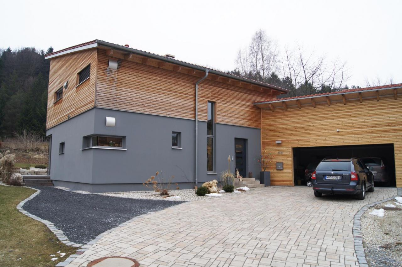 Haus graue Aussenfassade 2